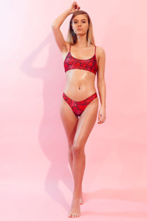 SW017-RED-SNAKE-FULL-LENGTH-3.jpg